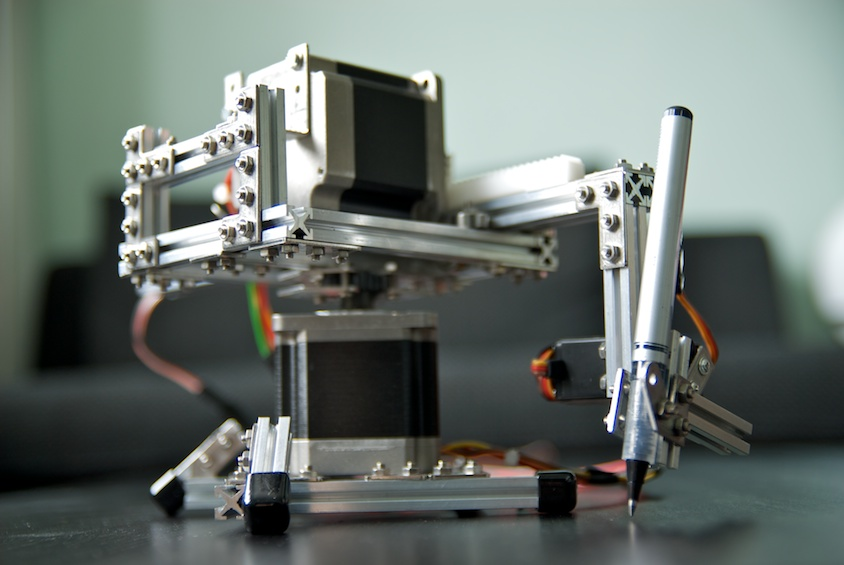 Polar plotter on arduino and makerbeams by roxen